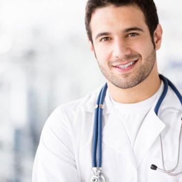 medico-lavora-con-assistiamo-te-web